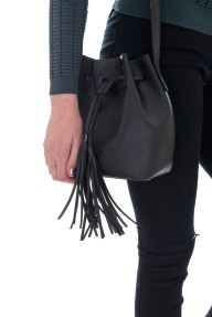 pieces-cilla-bucket-bag-close-2